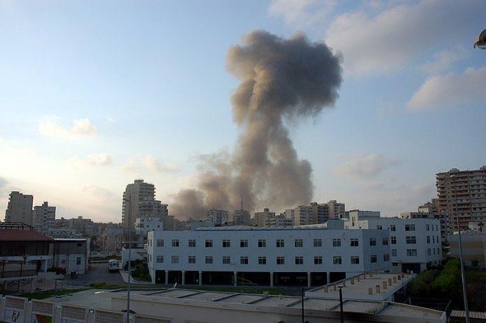 Bombardeo de la ciudad de Tiro, sur de Líbano, 2006.