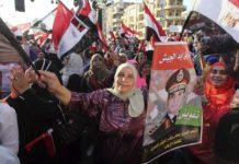 Los Hermanos Musulmanes convocaron hoy a una marcha masiva para pedir el retorno del presidente depuesto, Mohamed Morsi. / EFE