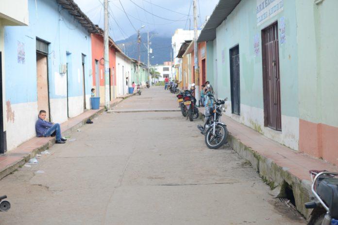 En San Calixto y la región del Caatumbo no se respiran aires de paz. Hay expectativa sobre el futuro de la economía de cultivos ilícitos. / Fotos: Víctor de Currea