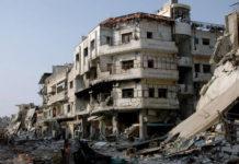 Las calles destruidas por los combates en la provincia siria de Homs. / EFE