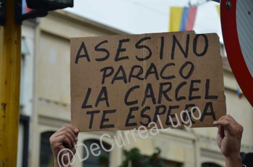 GALERÍA | Plantones a favor y en contra de Uribe 6