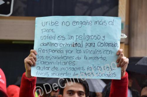 GALERÍA | Plantones a favor y en contra de Uribe 1