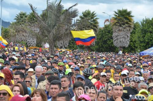 GALERÍA | Zipaquirá celebró triunfo de Egan Bernal 4