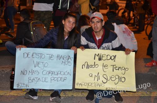 GALERÍA | La noche vive, el paro sigue 6